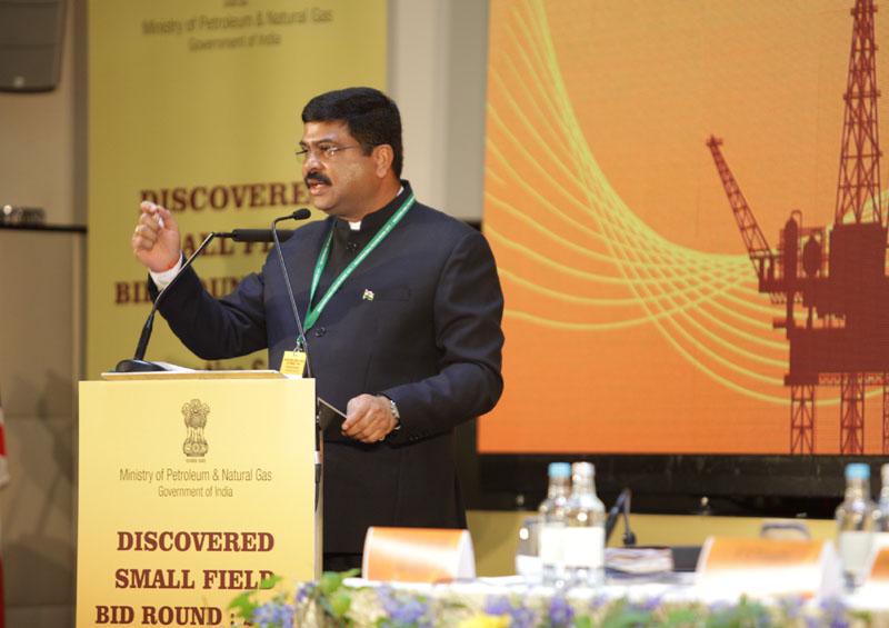 Pradhan meets potential oil investors in Singapore