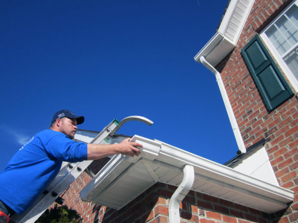 How Seamless Gutters are Grander to Customary Rain Gutters