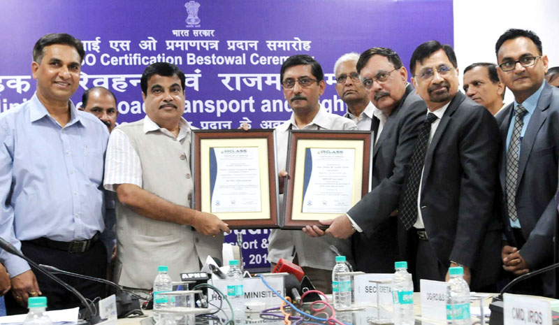 The Union Minister for Road Transport & Highways and Shipping, Mr. Nitin Gadkari being received the ISO 9001: 2008 Certificate, acquired by Ministry of Road Transport & Highways, at a function, in New Delhi on October 12, 2015. The Secretary, Ministry of Road Transport and Highways, Mr. Vijay Chibber and other dignitaries are also seen.