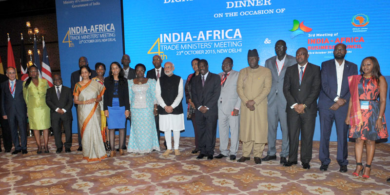 The Prime Minister, Mr. Narendra Modi in a group photograph with the Trade Ministers from Africa at an informal session, in New Delhi on October 23, 2015.