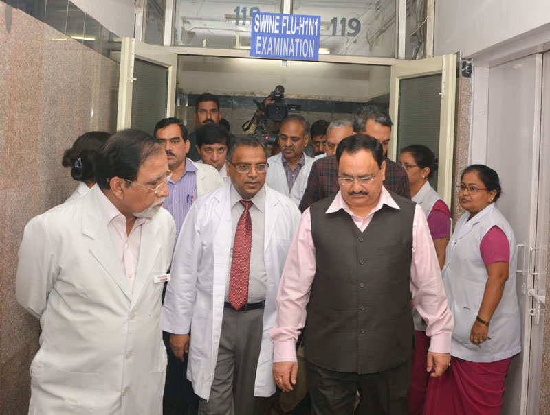 The Union Minister for Health & Family Welfare, Mr. J.P. Nadda visited to the Safdarjung Hospital and Dr. Ram Manohar Lohia Hospital to review the preparedness regarding H1N1 influenza, in New Delhi on November 03, 2015.