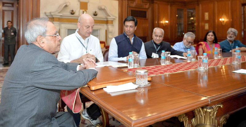 Mr. Anupam Kher, Mr. Madhur Bhandarkar with others meeting the President, Mr. Pranab Mukherjee, at Rashtrapati Bhavan, in New Delhi on November 07, 2015.