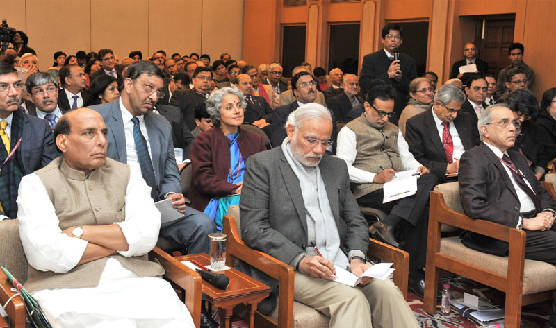 The Group of Secretaries presents their ideas and suggestions on 'Swachh Bharat, Shikshit Bharat' to the Prime Minister, Mr. Narendra Modi, in New Delhi on January 17, 2016.