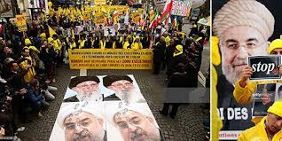 Iranians demonstrate in Paris as Rouhani visit France to curbe the isolation in the region