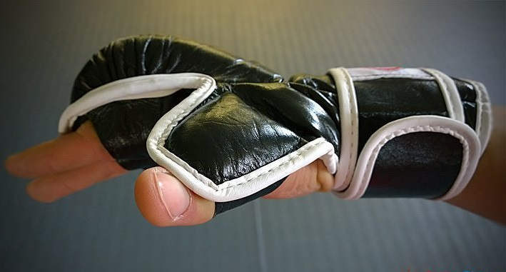 mma-gloves-sparring