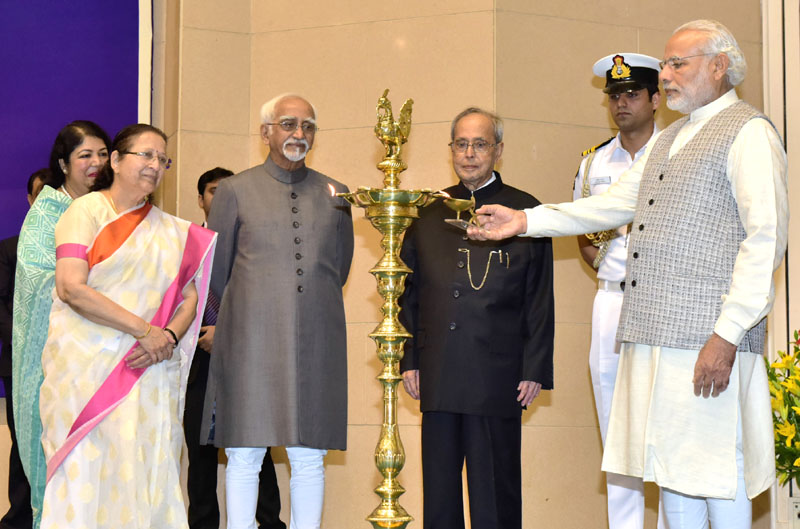 The President, Mr. Pranab Mukherjee, the Vice President, Mr. M. Hamid Ansari, the Speaker, Lok Sabha, Mrs. Sumitra Mahajan and the Prime Minister, Mr. Narendra Modi at the inaugural ceremony of the National Conference of Women Legislators, in New Delhi on March 05, 2016.