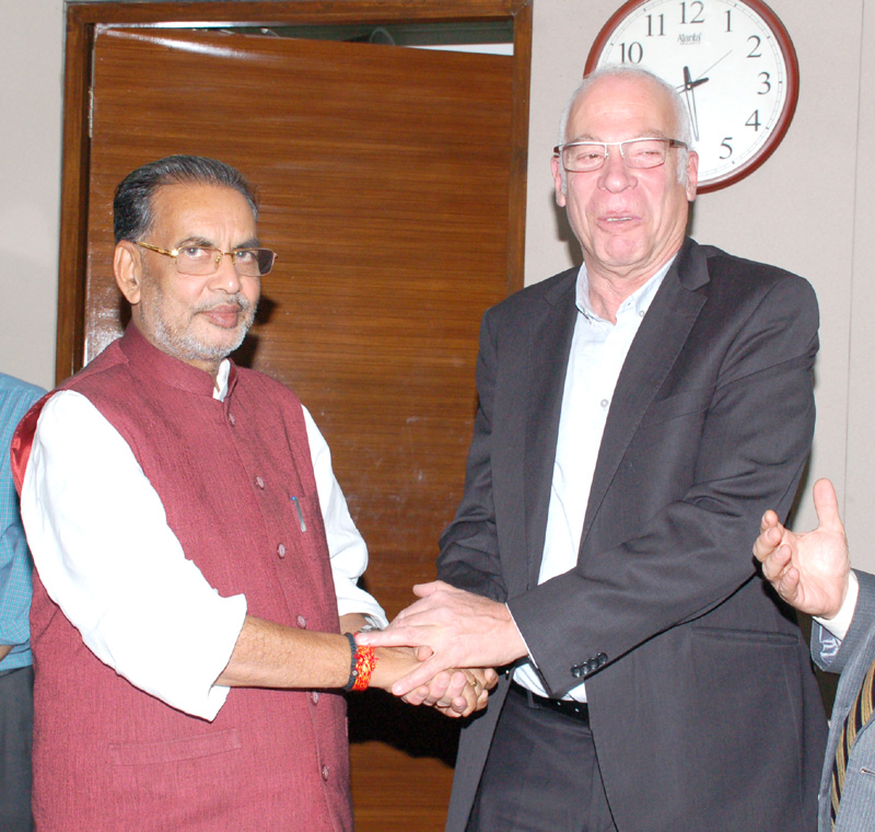 The Minister of Agriculture and Rural Development of Israel, Mr. M.K. Yuri Ariel meeting the Union Minister for Agriculture and Farmers Welfare, Mr. Radha Mohan Singh, in New Delhi on April 05, 2016.