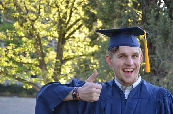 4 Good Reasons You Should Get a College Degree