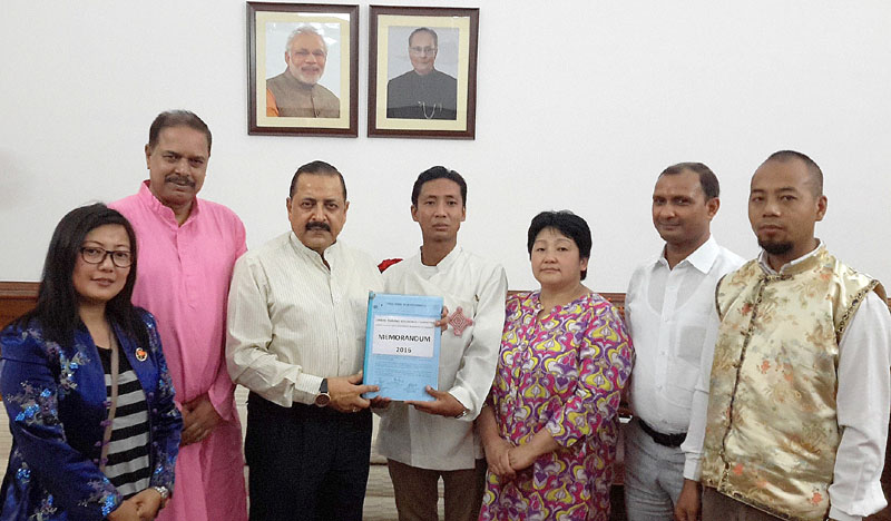 A delegation from Sikkim, led by the Social Activist, Mr. Shyamal Pal calling on the Minister of State for Development of North Eastern Region (I/C), Prime Minister's Office, Personnel, Public Grievances & Pensions, Department of Atomic Energy, Department of Space, Dr. Jitendra Singh, in New Delhi on May 09, 2016.
