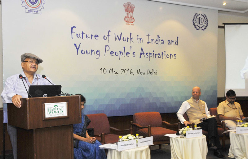 The Secretary, Ministry of Labour and Employment, Mr. Shankar Aggarwal addressing at the inauguration of a conference on Future of work in India and Young People's aspirations, in New Delhi on May 09, 2016.