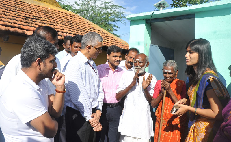 The Secretary, Ministry of Drinking Water and Sanitation, Mr. Parameswaran Iyer felicitated the 90-year old couple who made their village ODF, at village Achhampatti, an ODF village of Madurai, during his visit to Tamil Nadu to review SBM progress on June 20, 2016.