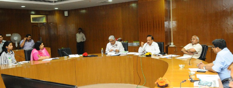 The Union Minister for Science & Technology and Earth Sciences, Dr. Harsh Vardhan addressing the media on the brain storming meeting on various strategies/action plans of the Ministry of Earth Sciences, in New Delhi on September 19, 2016.