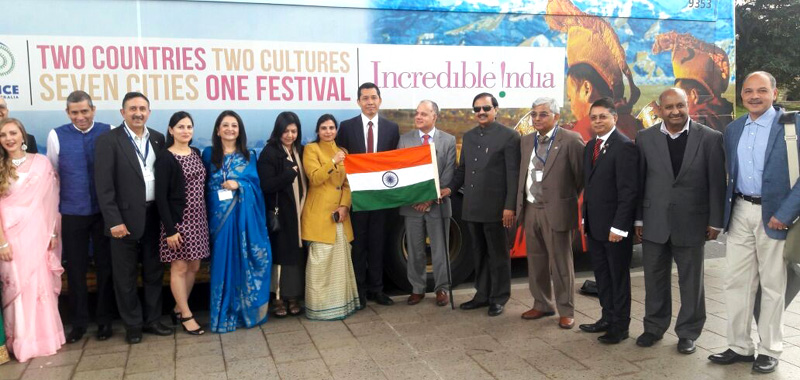 The Minister of State for Culture and Tourism (Independent Charge), Dr. Mahesh Sharma launching the Incredible India Bus Campaign, in Sydney, Australia on September 18, 2016.
