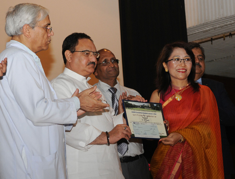The Union Minister for Health & Family Welfare, Mr. J.P. Nadda gave away the outstanding research awards, at the Diamond Jubilee celebrations of the Foundation Day of AIIMS, New Delhi on September 26, 2016. The Director, AIIMS, New Delhi, Dr. (Prof.) M.C. Mishra and other senior faculty members are also seen.
