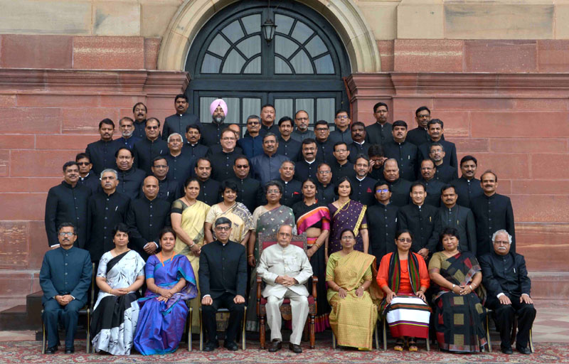 The President, Mr. Pranab Mukherjee with the officer trainees, at the 118th induction training programme for State Civil Service Officers promoted to the IAS, at Lal Bahadur Shastri National Academy of Administration, Mussoorie, at Rashtrapati Bhavan, in New Delhi on September 03, 2016.
