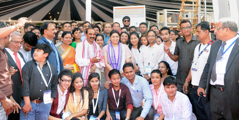 The Union Minister for Textiles, Mrs. Smriti Irani in a group photograph at the inauguration of the IHGF-DELHI FAIR – AUTUMN 2016, at India Expo Centre & Mart, in Greater Noida on October 14, 2016. The Minister of State for Textiles, Mr. Ajay Tamta is also seen.