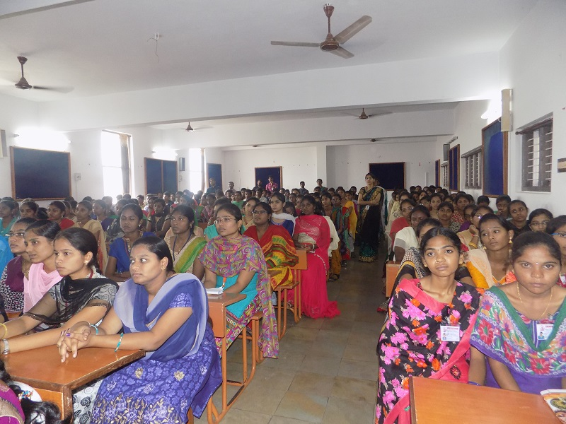 Students participating in in national level youth 'Innovits – 2K16' in VITS, Proddatur on 01, October, 2016.