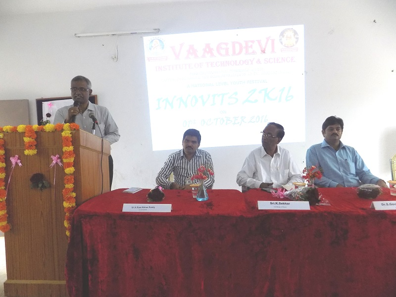 VITS Director Mr. PR Babaji addressing the national level youth 'Innovits – 2K16' in VITS, Proddatur on 01, October, 2016.