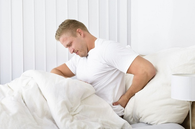 back-pain-man-in-bed1