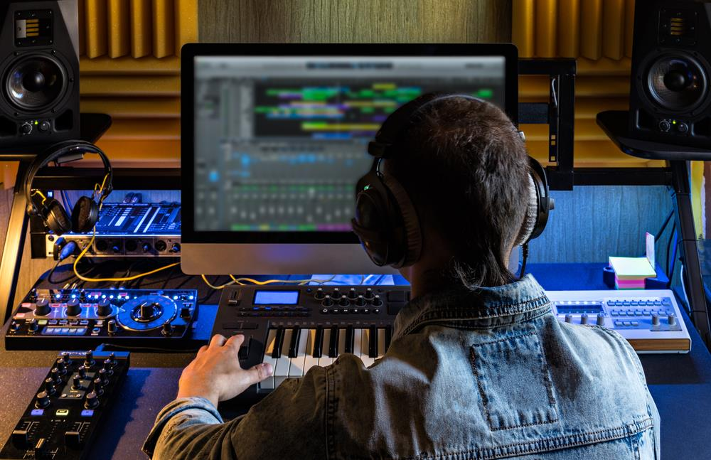 With A Home Recording Studio, You Have To Make A Lot Of Improvisations.  Unless Youu0027ve Spent Or Youu0027re Planning To Spend On Renovating A Whole Room,  ...
