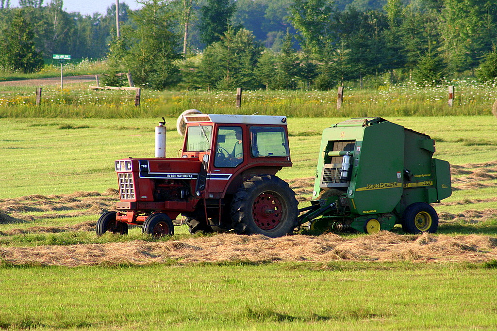 The Best Way to Find Farm Equipment for Sale - Choosing a ...