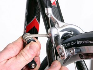 how to tighten bike brakes